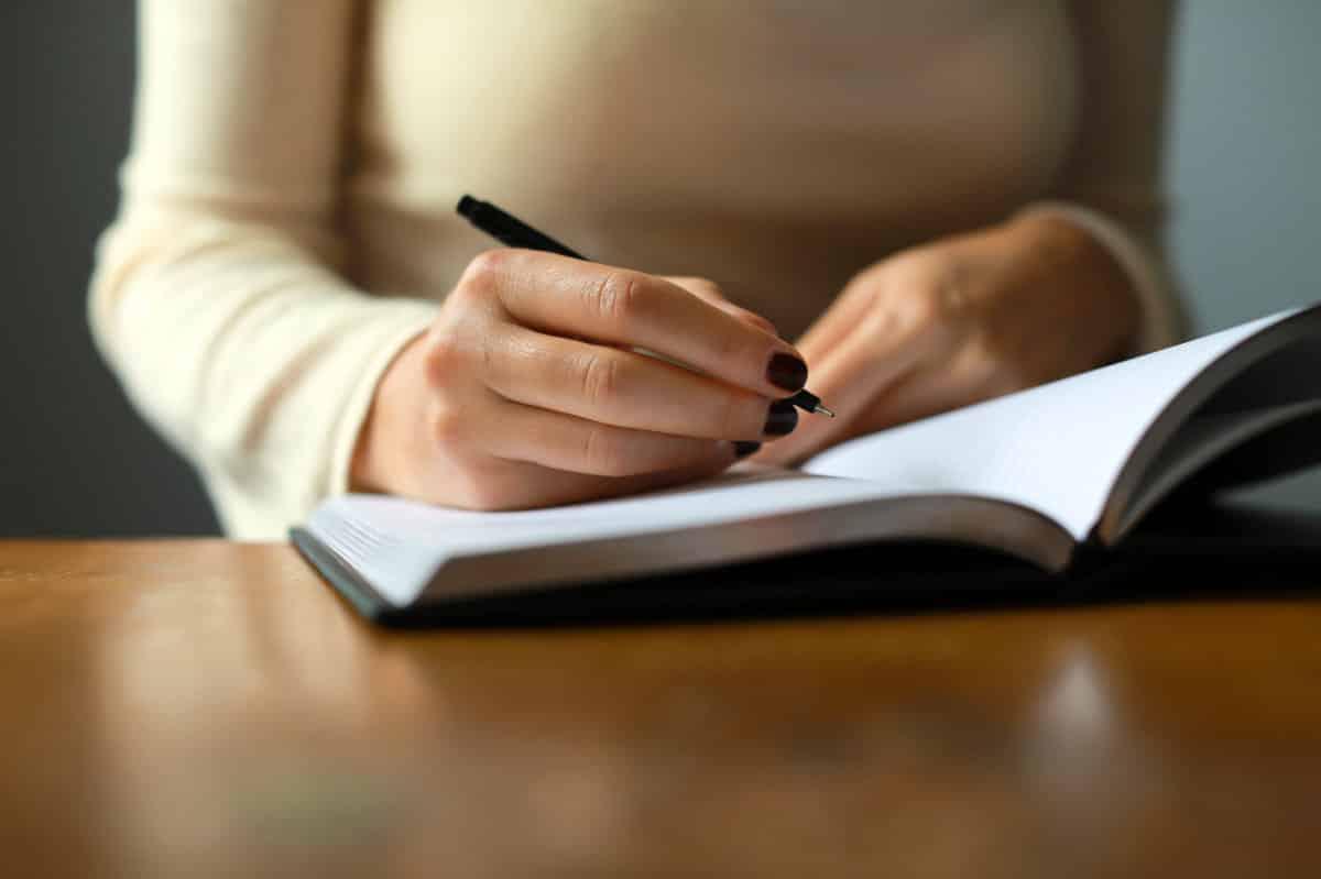 Skriv dagbok och används som underlag till novell