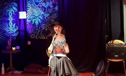 Angela Åquist, debutant och egenutgivare – avsnitt 034 i Poetpodden
